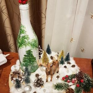 Asztali dísz, Otthon & lakás, Dekoráció, Lakberendezés, Mindenmás, Kb 30 cm átmérőjű, kör alakú fa alapra készült, műanyag figurákkal, állatokkal, vattával, fenyővel, ..., Meska