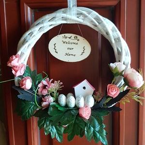Ajtódísz, tavasz, Ajtódísz & Kopogtató, Dekoráció, Otthon & Lakás, Mindenmás, Tavaszi / húsvéti ajtódísz. Fehérre festett fakoszorúra tekert ekrü szinű szalaggal, kis tojásokkal,..., Meska