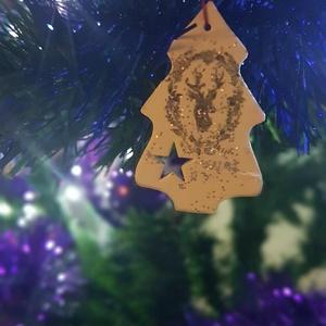 Karácsonyfadísz, fenyő 2., Otthon & Lakás, Dekoráció, Decoupage, transzfer és szalvétatechnika, Vékony fa lapból kivágott, fehérre festett karácsonyfára való dísz. Alakja fenyőfa, amelyre transzfe..., Meska