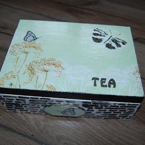 Teásdoboz, 6 fakkos, Otthon & lakás, Lakberendezés, Tárolóeszköz, Doboz, Fa doboz pillangó mintával, szalvétatechnikával készítettem, akril festékek felhasználásával A doboz..., Meska