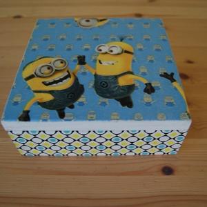 Minions doboz, Otthon & lakás, Lakberendezés, Tárolóeszköz, Doboz, Láda, Fa doboz minions mintával készítettem, akril festékek felhasználásával.  A képen látható doboz méret..., Meska