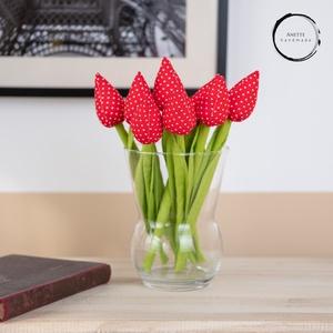 Textil tulipán piros/fehér , Csokor & Virágdísz, Dekoráció, Otthon & Lakás, Varrás, A textil tulipán nappalink egyik legszebb dísze lehet. Tökéletes ajándékba ( anyák napja, szülinap, ..., Meska