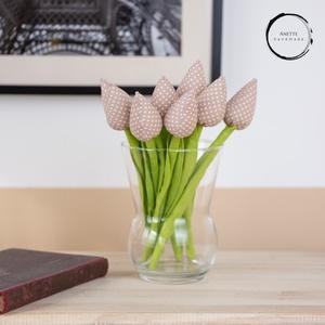 Textil tulipán barna/fehér , Csokor & Virágdísz, Dekoráció, Otthon & Lakás, Varrás, A textil tulipán nappalink egyik legszebb dísze lehet. Tökéletes ajándékba ( anyák napja, szülinap, ..., Meska