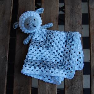 Horgolt báránykás szundikendő, Gyerek & játék, Játék, Plüssállat, rongyjáték, Gyerekszoba, Horgolás, A szundikendő Schachenmayr Baby Smiles Cotton Bamboo fonalból készül.\nA szemek és a száj hímezve van..., Meska