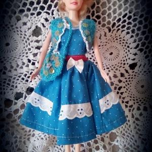 AKCIÓ!!!Barbie ruha.Barbi baba ruha,egyedi,három részes szett.Horgolt táskával és boleróval.Kék,csipkés., Gyerek & játék, Játék, Baba játék, Varrás, Barbi méretű babának készült ruha.\nKék színű,tért alá érő ruha,csipkével díszítve,hátoldalán tépőzár..., Meska