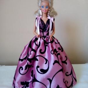 Barbie ruha.Barbi ruha.Fekete,rózsaszín,lila,csipkés., Gyerek & játék, Játék, Esküvő, Táska, Divat & Szépség, Varrás, Barbi méretű babának készült ruha.\n-hátoldalán tépőzáras ruha,tüll alsószoknyával,csipke felsőréssze..., Meska
