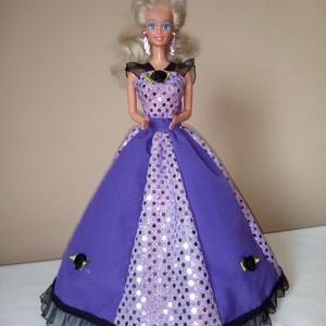 Barbie ruha.Barbi ruha szett.2 részes.Fehér,rózsaszín,ezüst,lila., Gyerek & játék, Játék, Esküvő, Táska, Divat & Szépség, Varrás, Barbi méretű babának készült ruha szett.\n2 részes szett tartalma:\n-hátoldalán tépőzáras szoknya\n-kül..., Meska