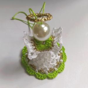 Zöldike a horgolt kis angyal, Otthon & Lakás, Horgolt & Csipketerítő, Dekoráció, Fehér , világoszöld és arany horgolócérnákkal valósítottam meg ezt a keményített angyalkát . 5.5 cm ..., Meska