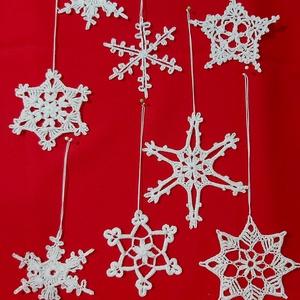 Horgolt hópihék, Karácsony & Mikulás, Horgolt keményített hópihéim csillámporral meghinteve,  egyesével vagy csomagban is eladók! Az ár da..., Meska