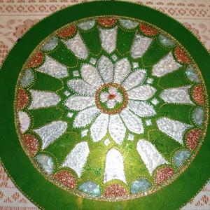 Mandala, Mandala, Dekoráció, Otthon & Lakás, Festészet, Üvegművészet, 30 cm-es mandala,ajánlom névnapra,szülinapra,akár esküvői ajándéknak,belefestettem szivemet,lelkemet..., Meska