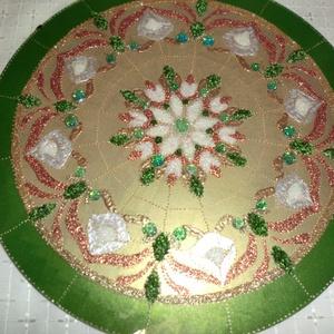 Elegáns mandala, Mandala, Dekoráció, Otthon & Lakás, Festészet, Üvegművészet, Szeretettel köszöntelek az oldalamon!\nKözeleg a karácsony,névnapra,szülinapra lepd\nmeg szeretteidet,..., Meska