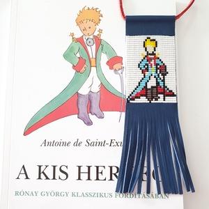 A kis herceg gyöngy-bőr nyaklánc, nagyméretű, Medálos nyaklánc, Nyaklánc, Ékszer, Gyöngyfűzés, gyöngyhímzés, Ékszerkészítés, Miyuki gyöngyből, valódi bőrből; aprólékos, időigényes munkával készült nyaklánc a Kis herceg kedvel..., Meska