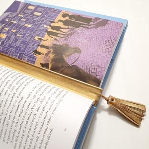 Olvasni jó! Arany bőr könyvjelző rojttal, Otthon & Lakás, Papír írószer, Könyvjelző, Bőrművesség, Mindenmás, Színe: ezüst\nAnyaga: valódi olasz bőr\nMérete: 21a cm, rojt hossza 5 cm\n, Meska