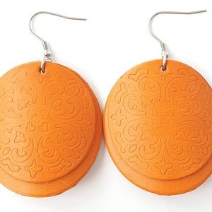 Réz narancs pajzs Bőr fülbevaló, Ékszer, Fülbevaló, Lógós kerek fülbevaló, Bőrművesség, Ékszerkészítés, Saját ötlet, elgondolás alapján készült bőr fülbevaló\n\nFülbevaló mérete:\nKapocs, szerelék nélkül átm..., Meska