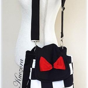 Fekete-fehér hátizsák, 3 az 1-ben táska: hátitáska, hátizsák, válltáska, oldaltáska (byKuczora) - Meska.hu
