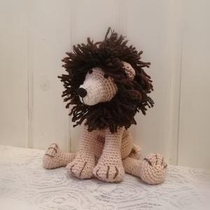 Amigurumi Oroszlán , Játék & Gyerek, Plüssállat & Játékfigura, Ez az oroszlán állat ülve 20 magas. A sörény több 100 egyesével hurkolt fonal, kétféle barna színnel..., Meska