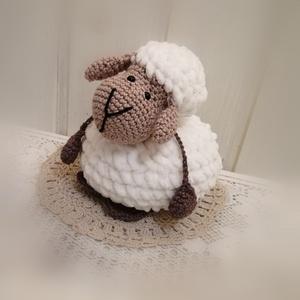 Puha Barika, Játék & Gyerek, Plüssállat & Játékfigura, Kb 2 felnőtt női tenyér nagyságú ez a pihe-puha fonalból készült édes kis bárányka. Nagyobb gyerekek..., Meska