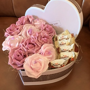 RózsaBox, Csokor & Virágdísz, Dekoráció, Otthon & Lakás, Virágkötés, Minden boxot egyedileg tervezek, két egyforma még nem készült :) Legfőbb inspirációimat a szerelem, ..., Meska