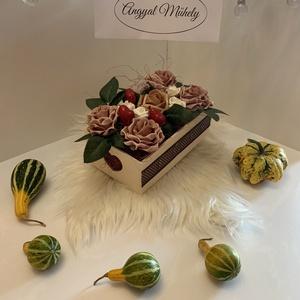 VirágBox , Csokor & Virágdísz, Dekoráció, Otthon & Lakás, Virágkötés, Minden Boxot egyedileg tervezek, két egyforma még nem készült :) Legfőbb inspirációimat a szerelem, ..., Meska
