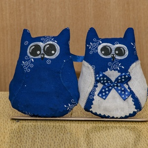 Kékfestő szerelmes bagoly pár, Bagoly, Plüssállat & Játékfigura, Játék & Gyerek, Baba-és bábkészítés, Varrás, A szerelmes bagoly pár  saját tervezés alapján készültek. Vászonból vart két kis bagoly, akik szerel..., Meska