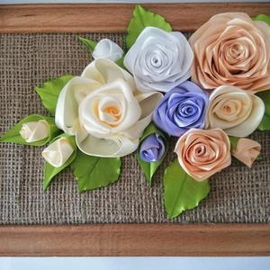 Rózsás falikép, Otthon & Lakás, Kép & Falikép, Dekoráció, Kézzel készített kép  Kanzashi stílusban, a virág és a levél  dekoráció vegyes színű szalagból készü..., Meska