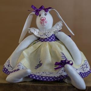 Tilda nyuszi lány, Játék & Gyerek, Nyuszi, Plüssállat & Játékfigura, 28 cm magas textil nyuszi kedves lányka ruhácskában. Tilda szabásminta alapján készítettem, saját el..., Meska