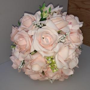 Mennyasszonyi Csokor, Esküvő, Menyasszonyi- és dobócsokor, Virágkötés, Mennyasszonyi csokor\nÁtmérője    :  18 cm\nMagassága :  25 cm\nTöbbféle színben kérhető.\nKülönböző kie..., Meska