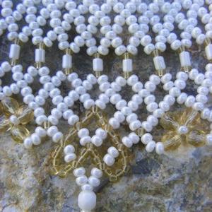 Ukrán szives fehér - arany gyöngy ékszerszett (Anick) - Meska.hu