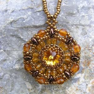 Napraforgó - aranybarna rivolis gyöngy nyaklánc - ékszer - nyaklánc - medálos nyaklánc - Meska.hu