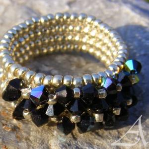 Északi fény - ezüst -fekete színjátszó gyöngy gyűrű, Ékszer, Gyűrű, Gyöngyös gyűrű, Ékszerkészítés, Gyöngyfűzés, gyöngyhímzés, Meska