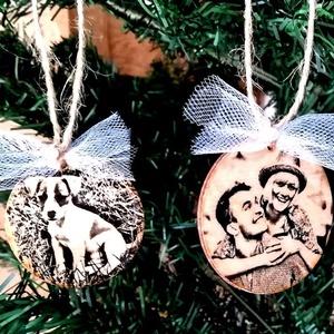 4 db karácsonyfadísz saját fotókkal, Dekoráció, Otthon, lakberendezés, Ünnepi dekoráció, Karácsonyi, adventi apróságok, Decoupage, transzfer és szalvétatechnika, Ha szeretnéd, hogy idén karácsonyfád egyedi díszekben pompázzon, akkor küldd el nekem kedvenc fotói..., Meska