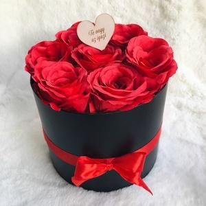 Rózsadoboz élethű, prémium selyemvirágokkal Valentin napra, Otthon & Lakás, Dekoráció, Csokor & Virágdísz, Virágkötés, Elegáns vörös rózsákkal teli doboz Valentin napra, évfordulóra, vagy csak úgy :) Élethű, prémium min..., Meska