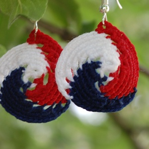Tricolor - háromszínű horgolt fülbevaló, Lógó fülbevaló, Fülbevaló, Ékszer, Horgolás, Háromszínű fülbevalóim kiváló lehetőséget nyújtanak arra, hogy különböző nemzetek színeiben készítse..., Meska