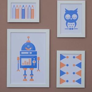 Kollázs,4db-os falikép szett narancs/kék színben kisfiúknak, 4 db digitális nyomat kerettel,robot,bagoly,ceruzák (ANKAhomegoods) - Meska.hu
