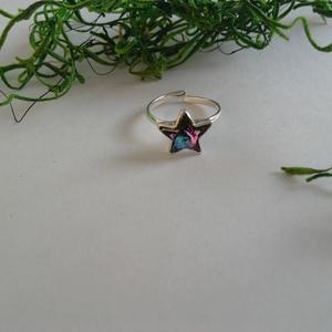 Ezüst gyűrű csillaggal, Ékszer, Gyűrű, Figurális gyűrű, Ékszerkészítés, A gyűrű ezüst Ag 925 gyűrűalapból és Swarovski csillagból készült,állítható., Meska