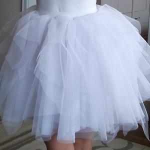 fehér tüllszoknya, Ruha, divat, cipő, Esküvői ruha, Női ruha, Szoknya, Varrás, Fehér tüllszoknya többféle méretben., Meska