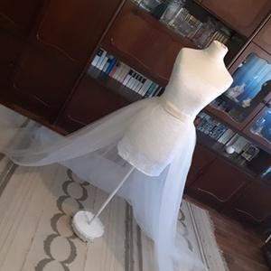 menyasszonyi uszály, Esküvő, Menyasszonyi ruha, Menyasszonyi uszály lecsatolható övrésszel., Meska