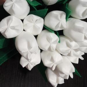 Textil tulipán, Esküvő, Otthon & lakás, Lakberendezés, Dekoráció, Varrás, Textil tulipánok, szabadon választható színekben. Mérete kb 25-30cm. A képen látható 20 szálat tarta..., Meska