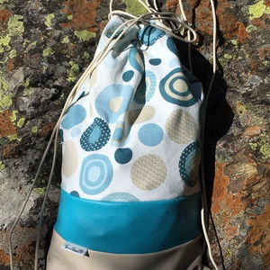 Körös-kék-bézs 2 az 1-ben hátizsák és válltáska, Táska & Tok, Variálható táska, Varrás, Vidám nyári hangulatú táska. Felső része mintás vászonból, a középső és az alsó része műbőrből készü..., Meska