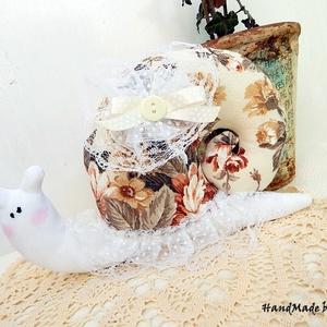Rózsás vintage csiga, dekoráció pöttyös csipkés (annetextil) - Meska.hu