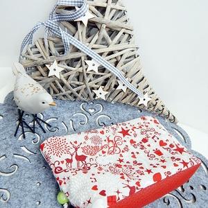 Karácsonyi neszesszer - szarvasos, Táska, Táska, Divat & Szépség, Neszesszer, Ünnepi dekoráció, Dekoráció, Otthon & lakás, Pénztárca, tok, tárca, Pénztárca, Varrás, Karácsonyi neszesszer - KÉSZLETEN!\n\nEgy cipzáras neszi mindig jól jön :) Szeretettel ajánlom Neked e..., Meska