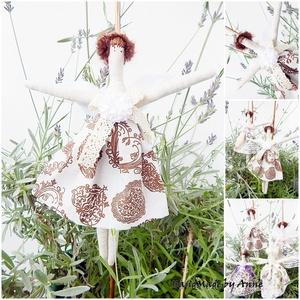 Pöttöm mini angyal, védőangyal, Karácsony & Mikulás, Otthon & Lakás, Karácsonyi dekoráció, Baba-és bábkészítés, Varrás, AnneHOME - Dekorációk - KÉSZLETEN!\n\nTilda jellegű textil mini angyal szívmintás ruhában. Szeretettel..., Meska