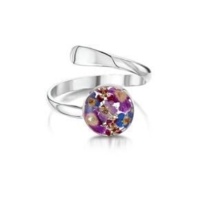 Ezüst gyűrű valódi virágokkal, nefelejcs a természet szerelmeseinek, kor, állítható méret lila, Ékszer, Gyűrű, Fonódó gyűrű, Ékszerkészítés, Kézzel készített 925 ezüst gyűrű valódi virágokkal -  nefelejcs.\nÁllítható méret \nÉppúgy hordható hé..., Meska