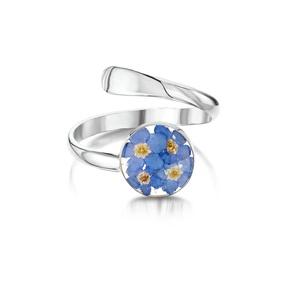 Ezüst gyűrű valódi virágokkal, nefelejcs a természet szerelmeseinek, kor, állítható méret , Ékszer, Gyűrű, Fonódó gyűrű, Ékszerkészítés, Kézzel készített 925 ezüst gyűrű valódi virágokkal -  nefelejcs.\nÁllítható méret \nÉppúgy hordható hé..., Meska