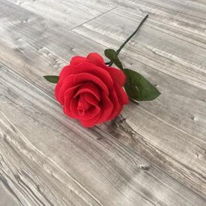 Harisnyavirág rózsa, Otthon & lakás, Lakberendezés, Asztaldísz, Dekoráció, Csokor, Virágkötés, Harisnyából készült rózsa, több színben is kérhető, a virág feje 9 cm széles, a virág szár kb. 35 cm..., Meska