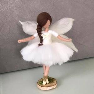 Angyalka, Karácsonyfadísz, Karácsony & Mikulás, Otthon & Lakás, Nemezelés, Tűnemezeléssel készült gyapjú angyalka. Bármilyen színben kérhető. \nMagassága kb 15-17cm.  Kérhető a..., Meska