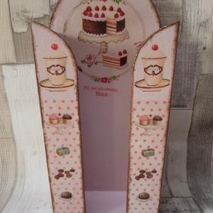 Torta,sütemény mintás papírzsebkendő tartó , Zsebkendőtartó, Tárolás & Rendszerezés, Otthon & Lakás, Decoupage, transzfer és szalvétatechnika, Torta,sütemény mintás papírzsebkendő tartó.100 darabos papírzsebkendő fér bele.Méretei:13x29x6cm.Szé..., Meska