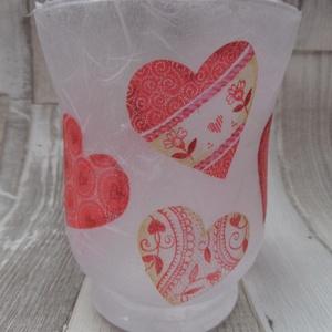 Szerelmes szívek  mécsestartó üveg, Gyertya & Gyertyatartó, Dekoráció, Esküvő, Decoupage, transzfer és szalvétatechnika, Szerelmes szívek mécsestartó üveg.Rizspapírral és szalvétával kívülről díszítve és lakkozva.Mérete:9..., Meska