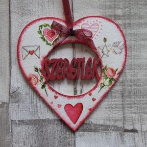 Szív  alakú dísz Szeretlek felirattal különböző mintákkal - Meska.hu