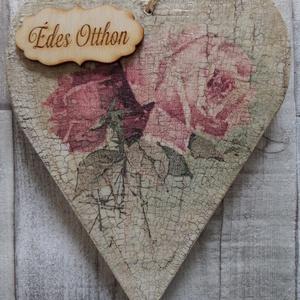 Vintage rózsa mintás szív  alakú ajtódísz,ablakdísz,függődísz   , Dekoráció, Otthon & lakás, Lakberendezés, Ajtódísz, kopogtató, Ünnepi dekoráció, Anyák napja, Szerelmeseknek, Decoupage, transzfer és szalvétatechnika, Szív  alakú dísz vintage rózsás mintával dekupázs/decoupage technikával díszítve,repesztve,antikolva..., Meska